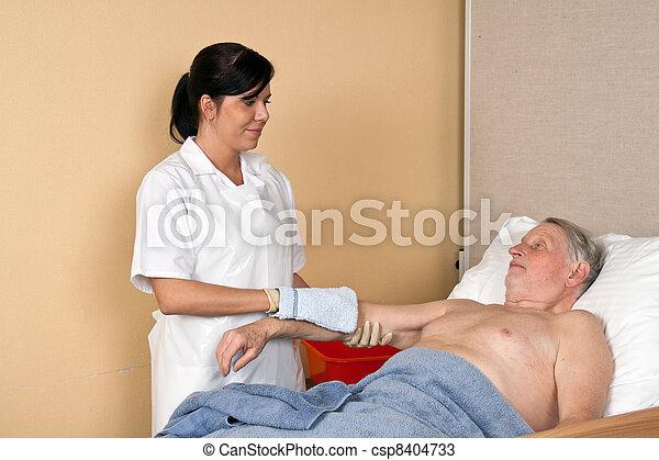 lavage, malade infirmière - csp8404733