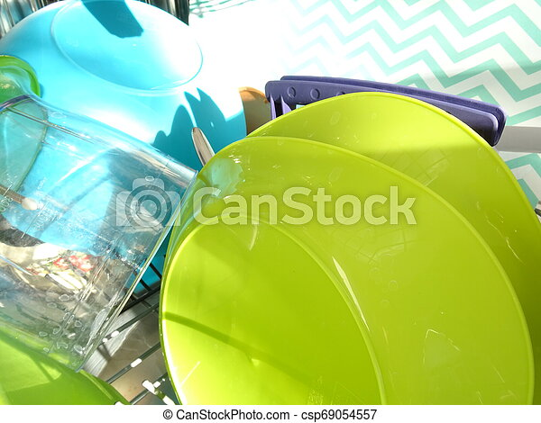 lavatore piatto, pieno, pulito - csp69054557
