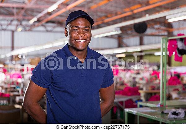 lavoratore tessile, africano - csp22767175