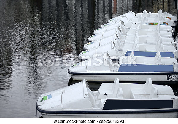 Leashed Excursion boats - csp25812393