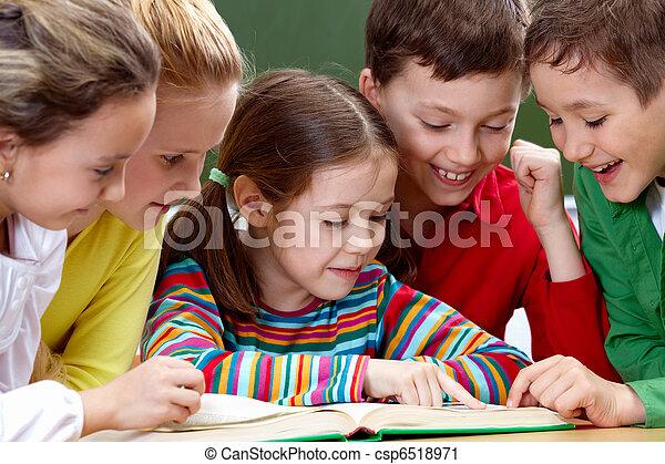 lectura, niños - csp6518971