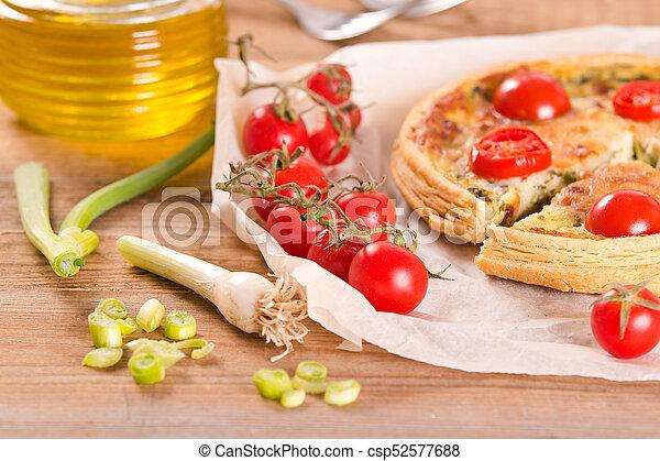 Leek and tomato quiche. - csp52577688