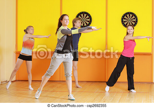 Left turn in group aerobics - csp2692355