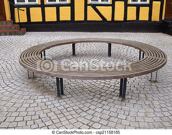 Panchina Rotonda : Legno circolare rotondo panca. legno moderno panca strada