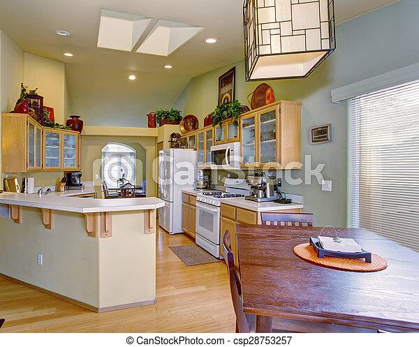 Legno duro, luce, floor., modernizzato, pareti, cucina verde. Walls ...