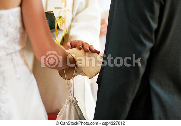 lelkész, párosít, áldás, felfogó, esküvő - csp4327012