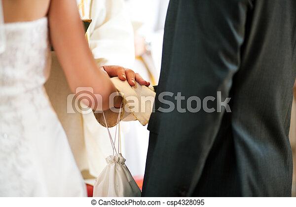 lelkész, párosít, áldás, felfogó, esküvő - csp4328095