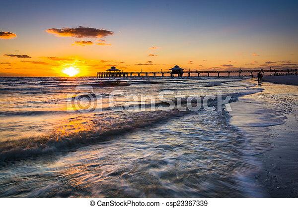 lenni, öböl, mexikó, felett, napnyugta, halászat, myers, móló, erőd - csp23367339
