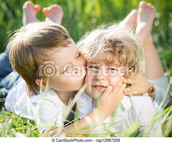 lente, kinderen - csp12987209
