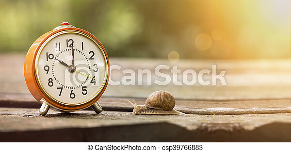 El tiempo es lento - csp39766883