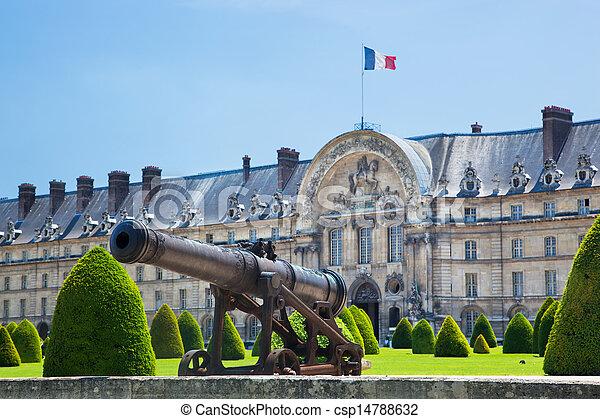 Les Invalides, Paris, France. A historic cannon - csp14788632