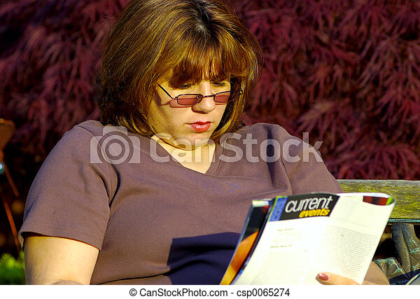 lettura donna - csp0065274