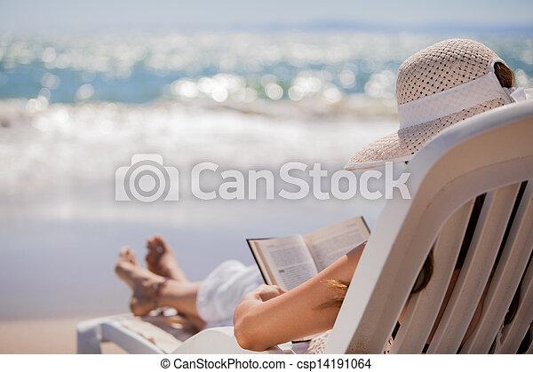 lettura, spiaggia, rilassante - csp14191064