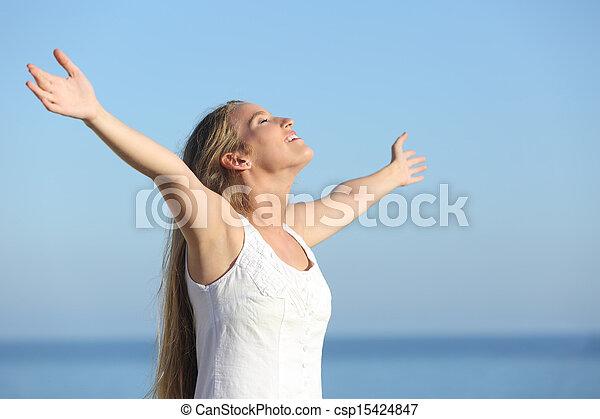 levantado, respirar, braços, mulher, atraente, loiro, feliz - csp15424847