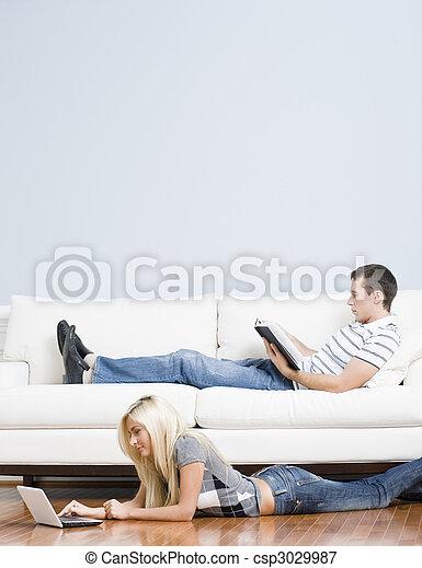 levend, paar, kamer, relaxen - csp3029987