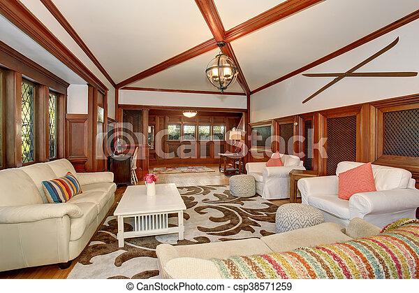 Levend plafond kamer bruine houten balken gewelfd luxe