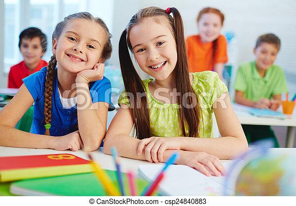 lição, meninas - csp24840883