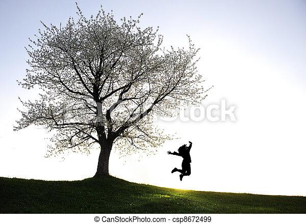 liberté, silhouettes, enfants jouer, coucher soleil, bonheur - csp8672499