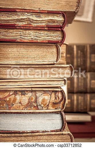 libros, fila - csp33712852