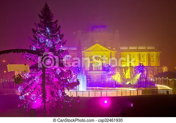 Weihnachten In Kroatien.Lichter Abend Ansicht Weihnachten Zagreb
