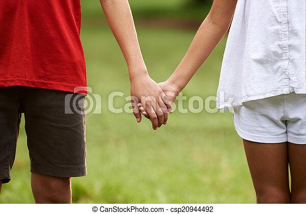 Liebe händchen halten F+ händchen