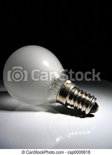 Lightbulb in spotlig - csp0000618
