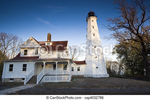 Lighthouse in Milwaukee - csp4032786