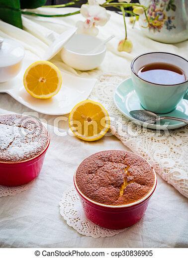 Salsa roja de limón, té, postre inglés - csp30836905