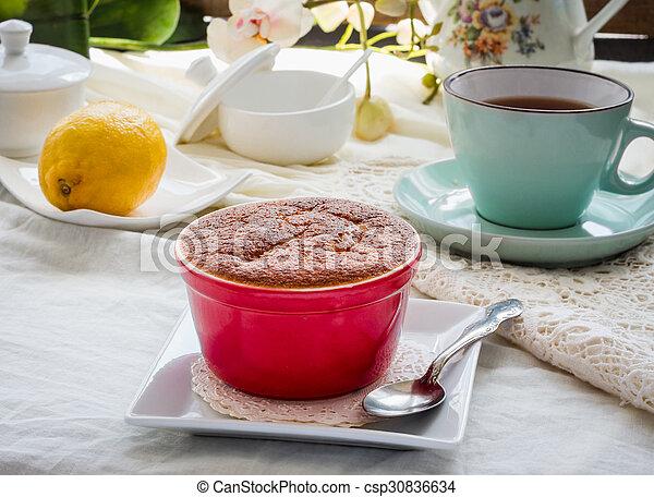 Salsa roja de limón, té, postre inglés - csp30836634