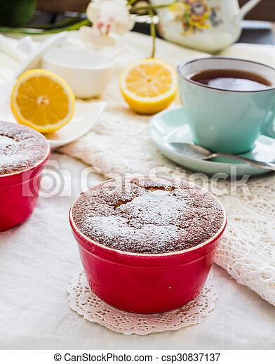 Salsa roja de limón, té, postre inglés - csp30837137