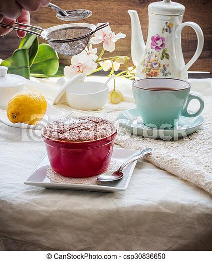 Salsa roja de limón, té, postre inglés - csp30836650