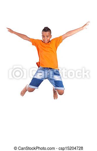 Retrato de un lindo adolescente negro saltando sobre un fondo blanco, gente africana - csp15204728