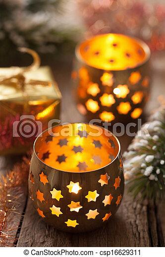 Quemando linternas de Navidad - csp16629311