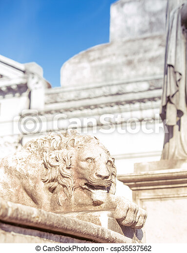lion, cimetière, recoleta, statue - csp35537562