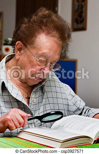 lit, livre, personne agee, lunettes, citoyen - csp3927571