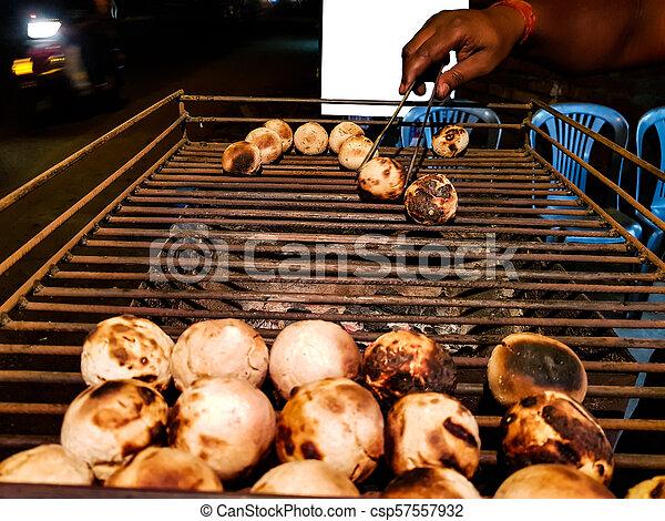 litti, グリル, ベンダー, 広告, mockup, ある, スペース, 準備された 食糧, backgroundlitti, indian, 石炭, 共通, 背景, 北, 白, 焼かれた, 側, 道 - csp57557932