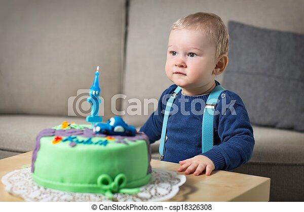 Little boyl celebrating first birthday - csp18326308