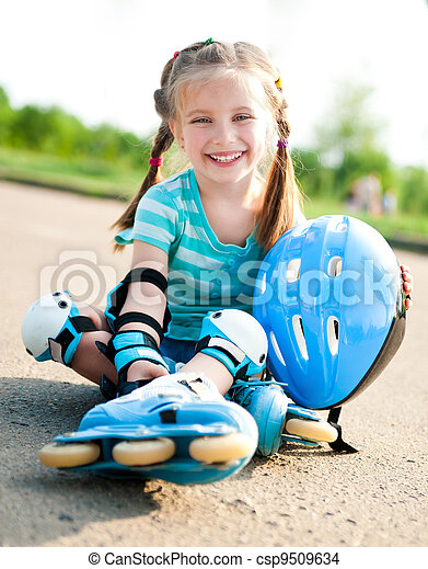 Little girl in roller skates - csp9509634