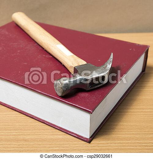 livre, marteau - csp29032661