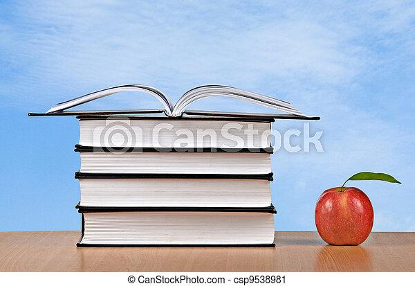 livres, pomme, rouges - csp9538981
