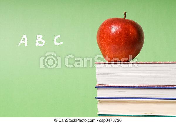 livros, maçã - csp0478736