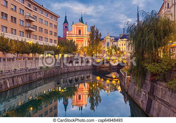 ljubljana, スロベニア, 夜 - csp64948493