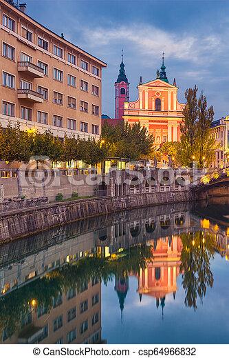 ljubljana, スロベニア, 夜 - csp64966832