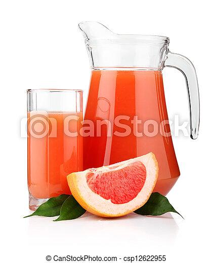 Un vaso lleno de jugo de pomelo y frutas aisladas - csp12622955