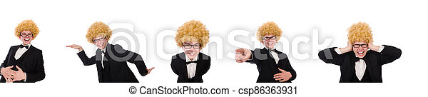 llevando, peluca, hombre, joven, afro - csp86363931