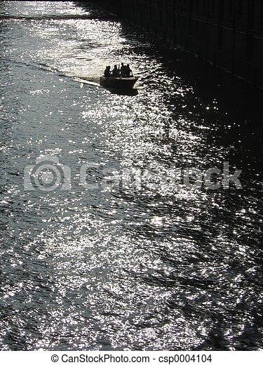 Loading Canal I - csp0004104