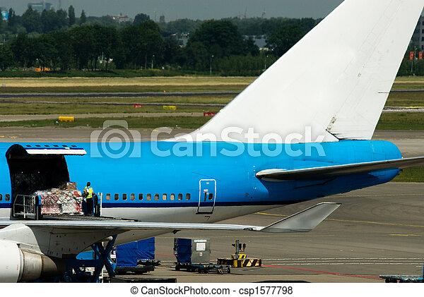 loading cargo - csp1577798