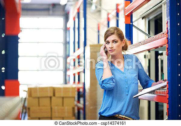 logistique, mobile, ouvrier, téléphone, femme, entrepôt - csp14374161