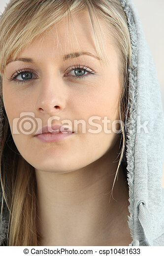 loiro, hooded, mulher - csp10481633