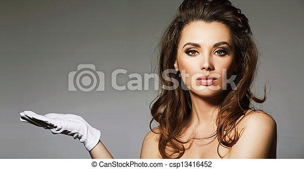 lokkende, portræt, brunette, dame - csp13416452